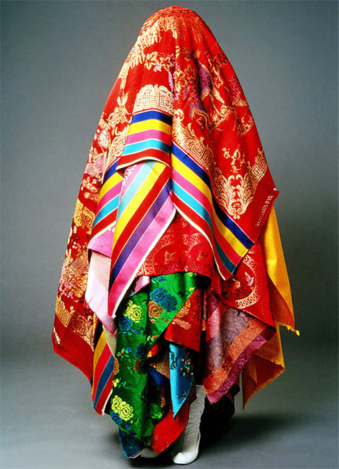 Encounter - Looking Into Sewing, 1998-2002 Photo by Lee Jong Soo